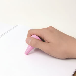 AOZORA ベビーコロール クレヨン 12色セット ピンクの使用画像