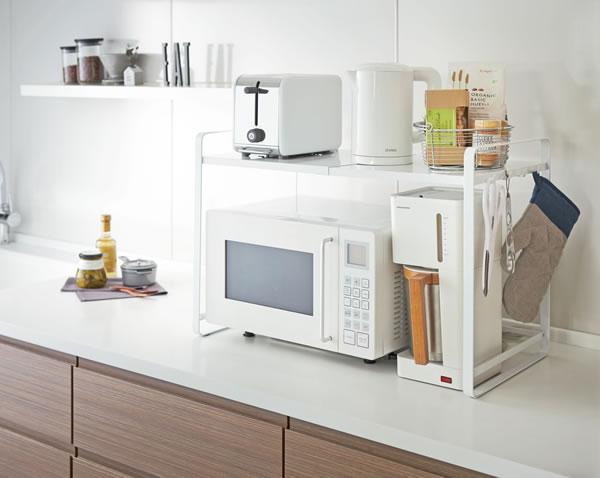 伸縮レンジラック タワー【キッチン収納/おしゃれ】ホワイトの使用画像