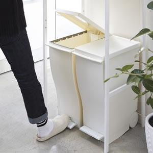 ゴミ箱上ラック タワー【キッチン収納/おしゃれ】ホワイトのペダル式ゴミ箱収納画像